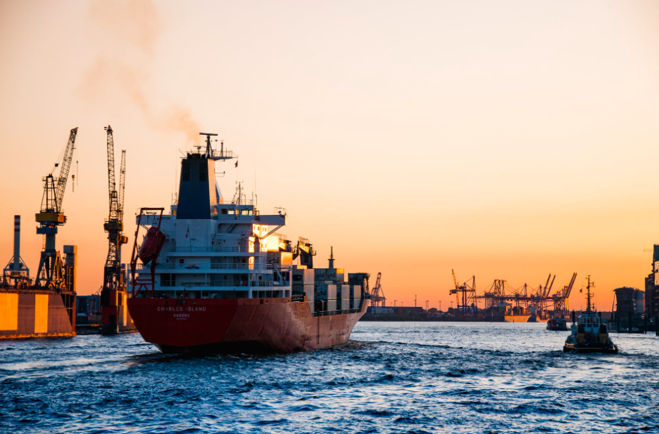 shipping delivery - photo by pexels